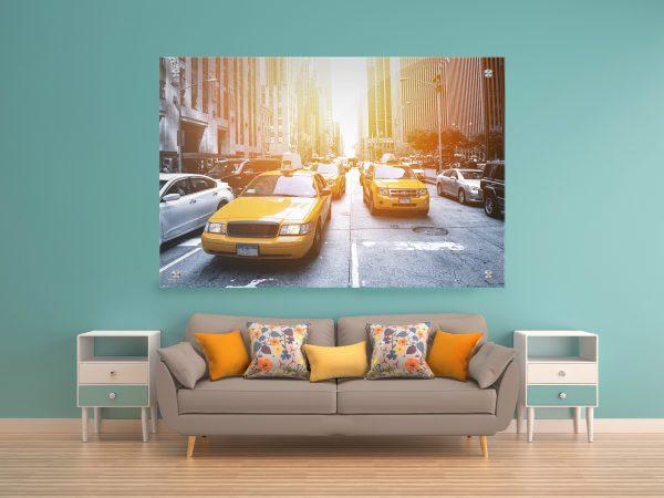תמונת זכוכית מוניות ניו יורק 2 לעיצוב הבית על קיר בסלון