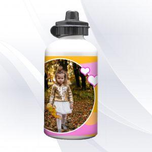 בקבוק שתייה מעוצב בעיצוב אישי עם שם