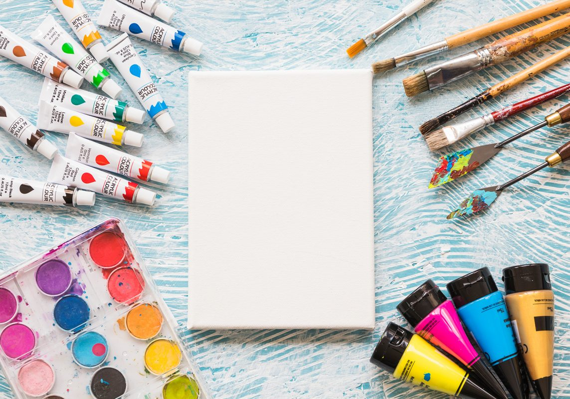 בד קנבס מוכן ליצירת אומנות.