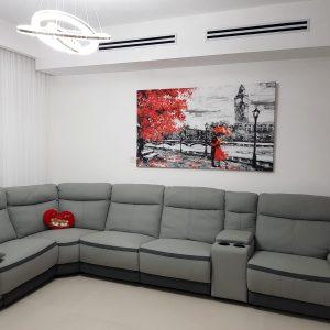 לקוחה מרוצה תמונת קנבס ענקית לסלון זוג לונדון והמטריה