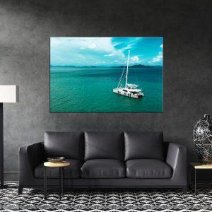 תמונת קנבס יאכטה בים הפתוח לסלון לעיצוב הבית