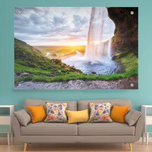 תמונת זכוכית - מפל איסלנדי 2 לעיצוב הבית על קיר בסלון