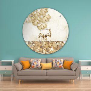 תמונת זכוכית איילים עלים וחצץ לעיצוב הבית על קיר בסלון