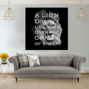 אריה לא נח סלון אפור